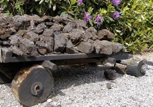 wheeled-handcart