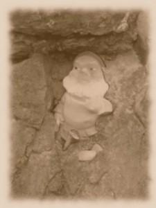dwarf-an-ovel-dot-com-stone
