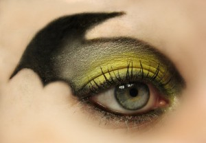tumblr_lg0iarAHEn1qzbn4do1_500 batman eye makeup by nerdygirllove